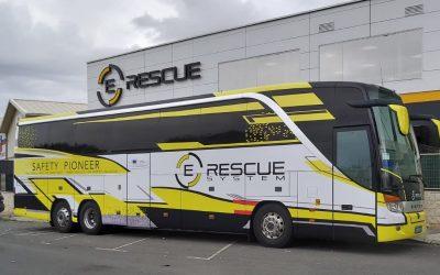 Vestimos el primer autobús salvavidas del mundo el E-Rescue