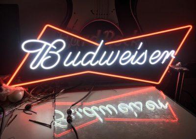 GrafiRotulo - Rotulo-Neon-LED-No-Contaminante-Budweiser