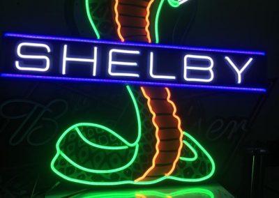 GrafiRotulo - Rotulo-Neon-LED-No-Contaminante-Shelby